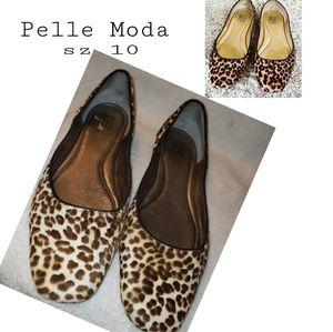 Pelle Moda calf hair leopard flats.  Sz 10